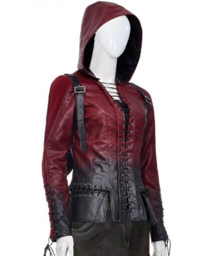 The Willa Holland Arrow Silver Motorcycle Leather Jacket is a stylish article that is stunningly designed for the clan of biker ladies.